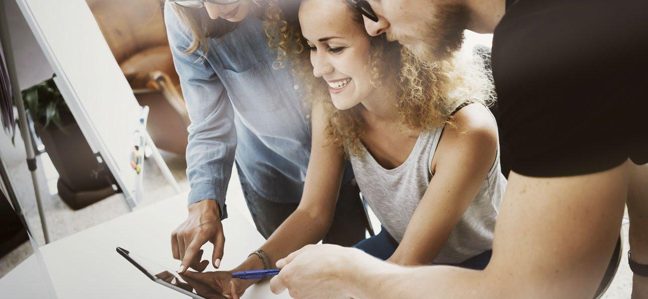publicaciones-digitales-interactivas-a2colores-digital-para-tocar-escuchar-mirar-y-compartir-todo-tipo-de-contenido-desde-cualquier-dispositivo